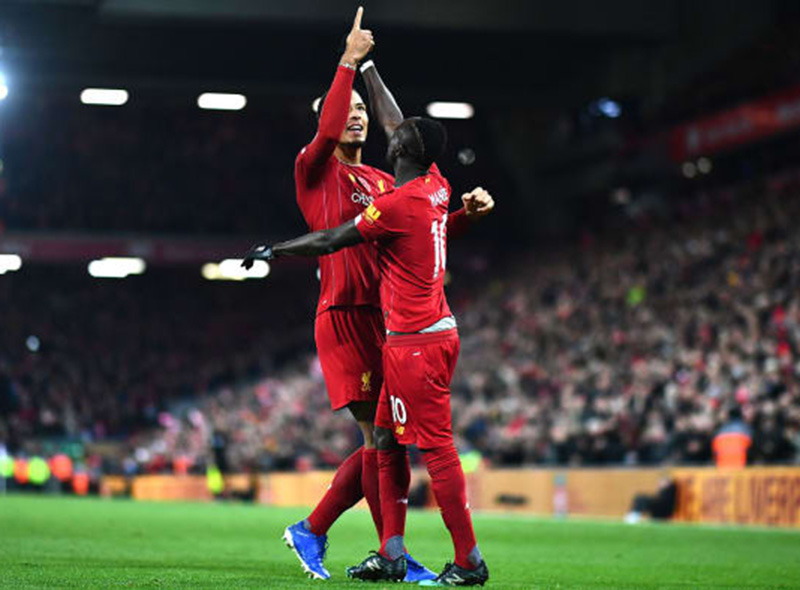 Liverpool bat le Man City et creuse l'écart